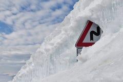 Neve e signpost Foto de Stock Royalty Free