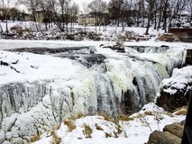 Neve, ghiaccio ed acqua a Paterson Falls, New Jersey fotografia stock libera da diritti