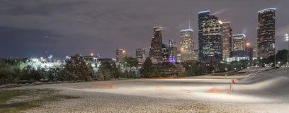 Neve incomum em Houston do centro na noite com queda de neve em Elean Imagem de Stock Royalty Free
