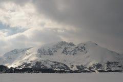 Neve na montanha Fotografia de Stock Royalty Free