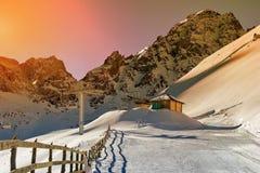 Neve nelle montagne Immagine Stock