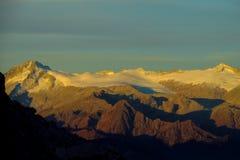 Neve Platone nelle alpi della dolomia fotografia stock libera da diritti