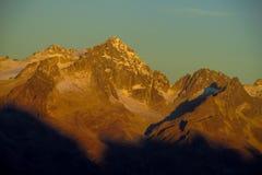 Neve Platone nelle alpi della dolomia al tramonto Fotografia Stock