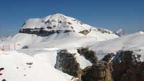 Neve ricoperta, picchi di alta montagna Immagine Stock Libera da Diritti