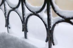 Neve sulla griglia della finestra Fotografia Stock