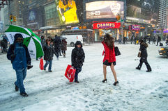 Neve sulla quarantaduesima st Immagine Stock