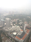 Nevel over Singapore stock afbeelding