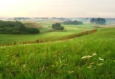 Nevelig landschap royalty-vrije stock fotografie