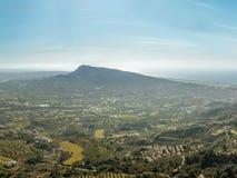 Nevelig landschap van het westelijke eiland van Rhodos in de middag Mening Stock Afbeeldingen