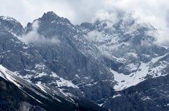 Nevelige berg Royalty-vrije Stock Afbeelding