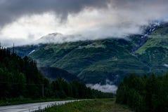 Nevelige ochtend en Wolken in Alaska de Verenigde Staten van Amerika royalty-vrije stock fotografie