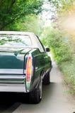 NEVINOMYSSC, ΡΩΣΙΑ - 13 ΜΑΐΟΥ 2016: Αυτοκίνητα Οφσάιτ φωτογραφία των παλαιών αμερικανικών αυτοκινήτων Κομψότητα DeVille Δ ` Cadil Στοκ φωτογραφίες με δικαίωμα ελεύθερης χρήσης