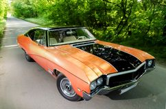 NEVINOMYSSC, RUSIA - 13 DE MAYO DE 2016: Automóviles Fotografía exterior de coches americanos viejos BUICK SKYLARK GS 350 1968s Fotografía de archivo