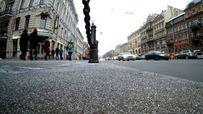 Nevsky Prospekt, St Petersburg, día nublado almacen de video