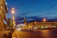 Nevsky utsikt med den St Petersburg stadsDumaen, St Petersburg Arkivbild
