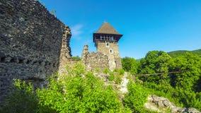 Nevytskekasteel, semi-geruïneerd kasteel dichtbij Uzhhorod, de Oekraïne stock video