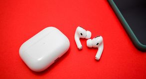 Free New Apple Computers AirPods Pro Headphones Royalty Free Stock Images - 162537219