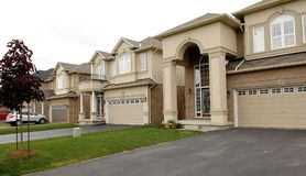 Free New Big Houses In A Subdivision In Canada Royalty Free Stock Photos - 118595088