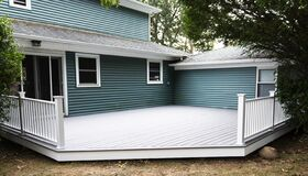 Free New Composite Deck On Back Of House Royalty Free Stock Photo - 194136735
