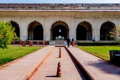 New Delhi, India - Februari 2019 Het Rode Complexe Fort, een historische gevestigde vesting van Mughal royalty-vrije stock foto's