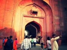 New Delhi, India - Januari 2019: Vooraanzicht van het Rode Fort royalty-vrije stock foto