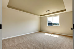 New empty room with beige carpet. Royalty Free Stock Photos