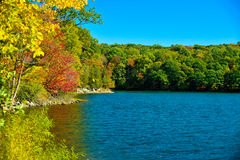 New England lake in early fall Royalty Free Stock Photos