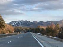 New Hampshire huvudvägar fotografering för bildbyråer