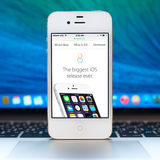 New iOS 8 homescreen on an white iPhone display Royalty Free Stock Photos