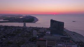 New Jersey Atlantic City salida del sol aérea 4K de julio de 2017 almacen de video
