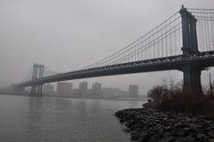 New York Manhattan Bridge, fog Royalty Free Stock Photos