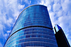New modern business building. Over cloudy sky Royalty Free Stock Photo