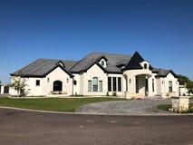 Free New Modern Home In Arizona. Royalty Free Stock Photo - 143290135