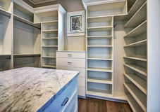 Free New Modern Home Master Bedroom Closet Stock Photo - 61595290