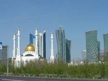New mosque and buildings Royalty Free Stock Images
