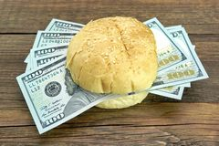 New One Hundred Dollar Bills Fresh Burger Royalty Free Stock Images