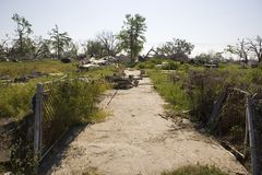 New Orleans dopo Katrina, nona strada privata del quartiere   Immagine Stock Libera da Diritti