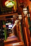 New Orleans franska fjärdedelArnauds bistroer för Jazz Arkivbild