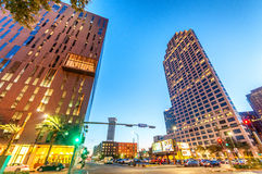 NEW ORLEANS - 20. JANUAR 2016: Stadtstraßen am Abend neu Lizenzfreie Stockfotografie