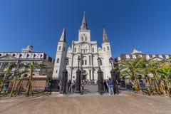New Orleans, LA/USA - circa Februari 2016: St Louis Cathedral en Jackson Square in Frans Kwart, New Orleans, Louisiane stock afbeeldingen