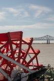 New Orleans - ruota a pale, fiume e ponte fotografia stock libera da diritti