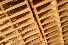 New wooden pallets is stack in the warehouse of cargo delivery e Stock Images