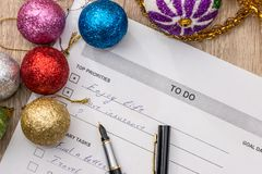 2018 new year goals, to do list with cristmas ball Stock Photo