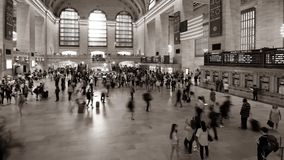 """NEW YORK †""""24 JULI: Spitsuren in Grand Central -post stock videobeelden"""