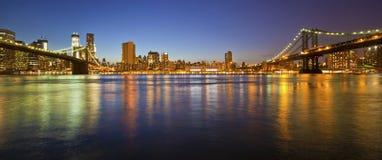 New York. Manhattan Bridge and Manhattan skyline At Night Royalty Free Stock Photography