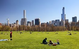 NEW YORK - 14. APRIL: Ansichten von vom große Wiese zentralen PA lizenzfreie stockfotos