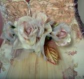 NEW YORK - 22. APRIL: Ein Modell wirft für Claire Pettibone-Brautdarstellung auf lizenzfreie stockfotos