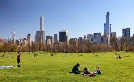 NEW YORK - APRIL 14: Sikter av från stort ängcentralPA royaltyfria foton