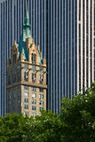 New York architecture � contrasting styles Royalty Free Stock Photo