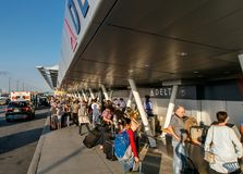 Curb side check-in for Delta Airlines Royalty Free Stock Photography